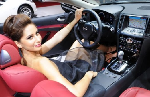 10 Resasons Why Women are Better Drivers Than Men