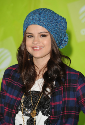 Hat Friendly Hairstyles for Winter - 1