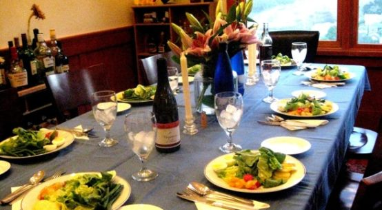 4 Easy Steps to Hosting the Perfect Dinner Party
