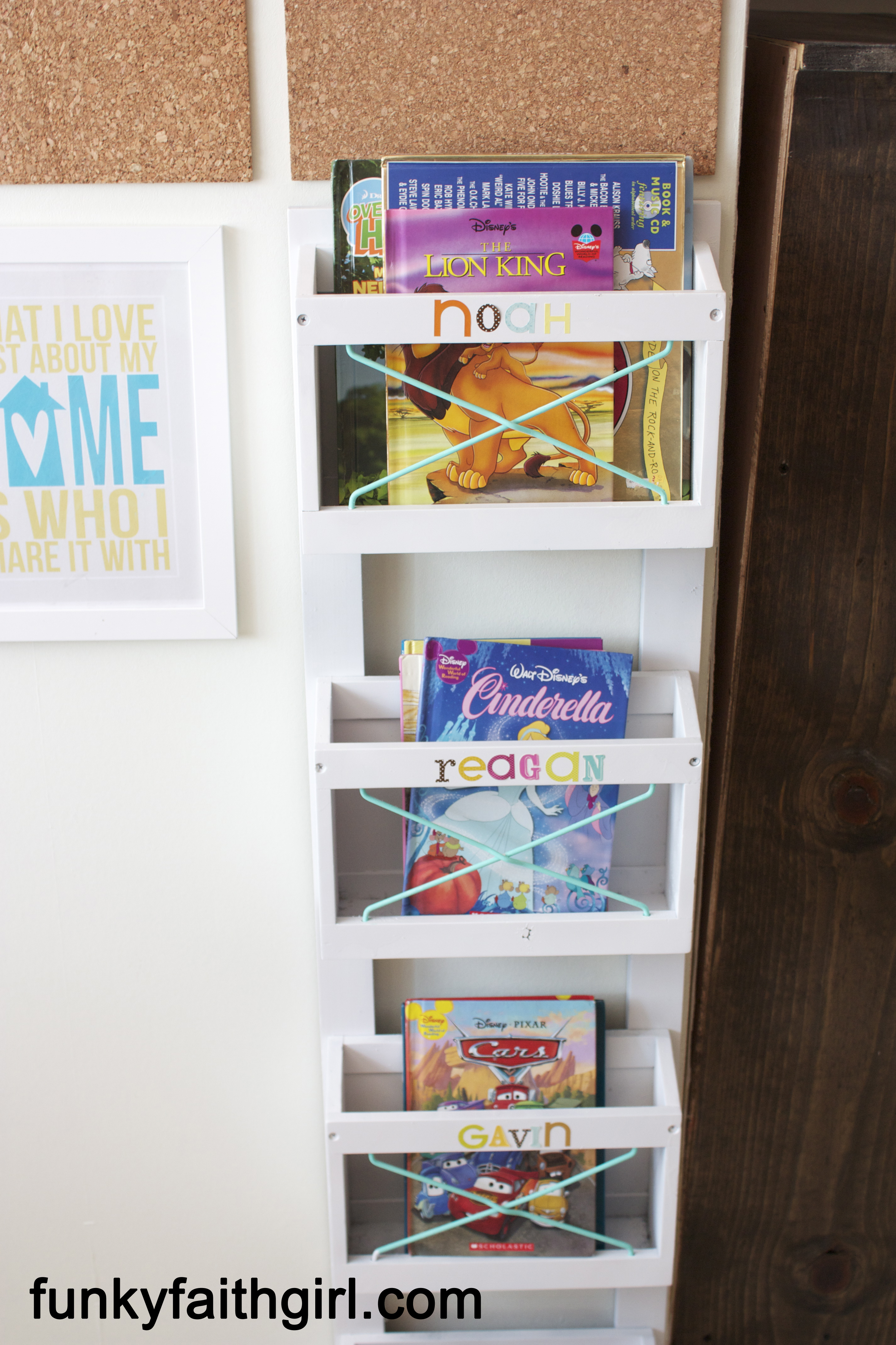 Modge Podge, DIY Book Shelf
